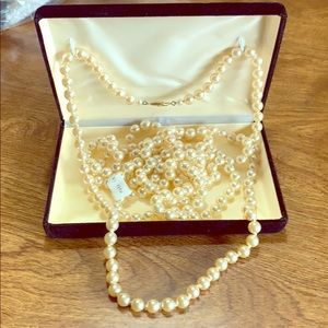 2 set Pearl necklaces